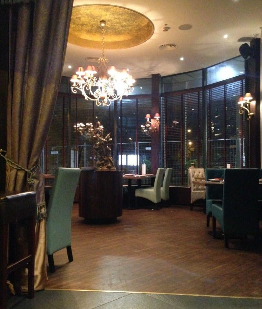 wnętrze restauracji 10