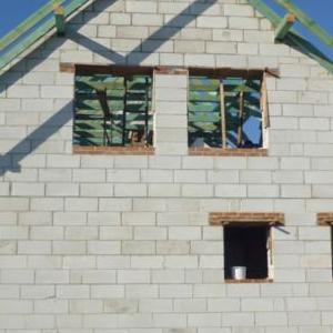dom w surowym stanie 14