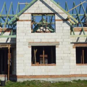 dom w surowym stanie 13