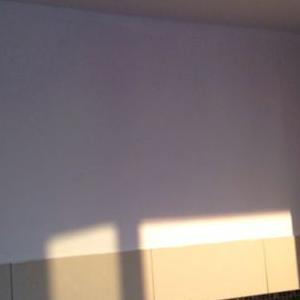 biała ściana 5
