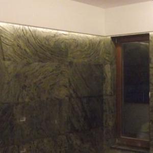 ściana wyłożona kafelkami 1